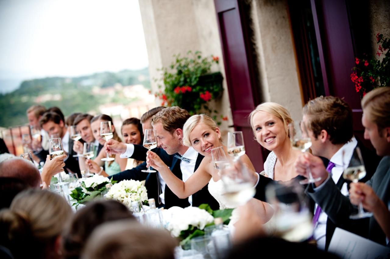 Matrimonio Gipsy Invitati : Abito per le damigelle e gli invitati un dress code
